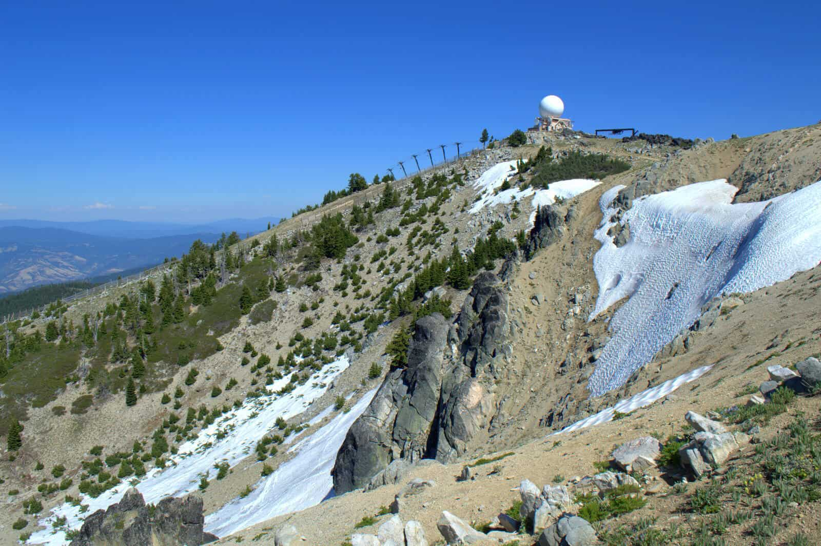 Te Mt. Ashland Bowl in Summer still holds snow!