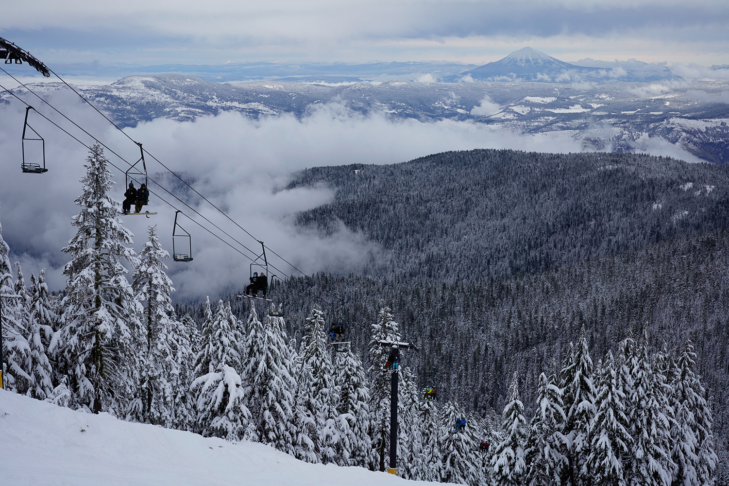 Mt. Ashland guests riding the Windsor chair